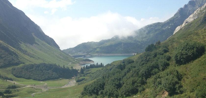 Austria_Lech-summer_Spullersee-lake-ravensberger-hutte.jpg